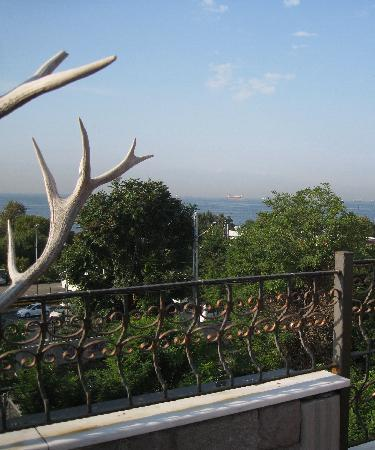 Harmony Hotel Istanbul: View on the terrace