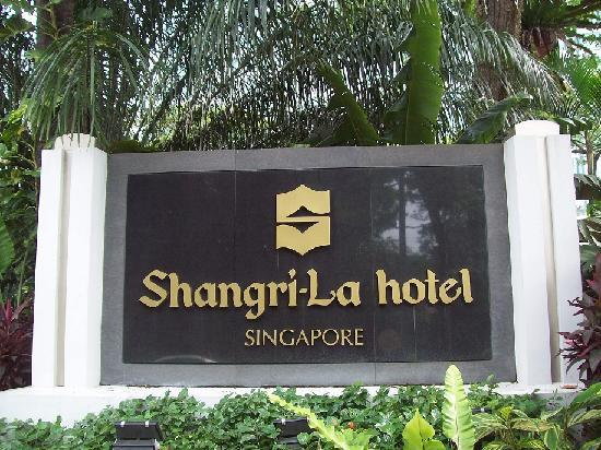 Free Travel Videos: Shangri La Hotel Singapore