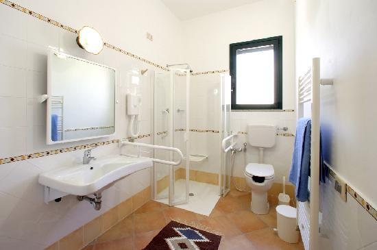 bagno disabili - Picture of Valderice, Province of Trapani - TripAdvisor