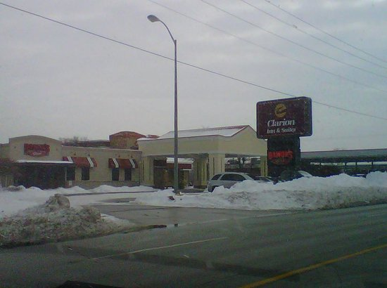 Clarion Inn Michigan City: not a 3-star hotel.