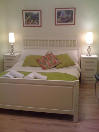 Avoca House Bed and Breakfast: double room