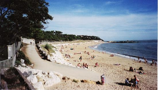 Royan, France: plage de Meschers