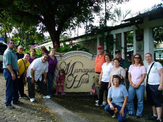 Managua Hills Bed and Breakfast: departing group photo