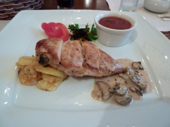 Russian Main Course http://www.tripadvisor.in/LocationPhotos-g298507-d1129674-Kilikia-St_Petersburg_Northwestern_District.html