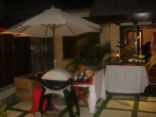 Belle Mare: barbecue by night dans la villa