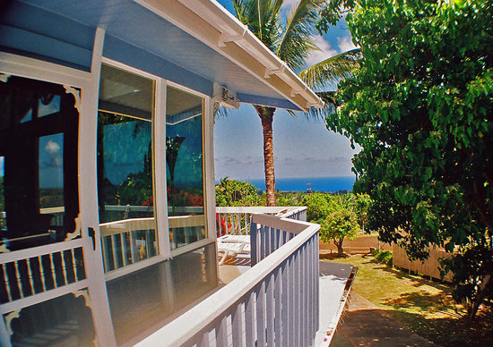 Hale O Nanakai Bed and Breakfast: Look to the Sea at Hale O Nanakai B&amp;B