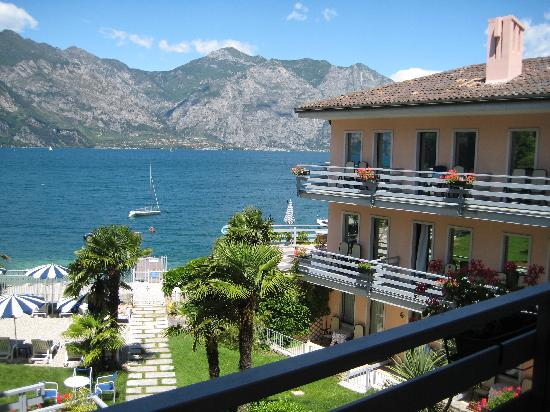 Hotel Castello Lake Front: View from our room&#39;s balcony
