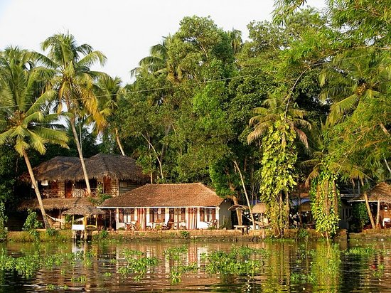 Malayalam Lake Resort Homest