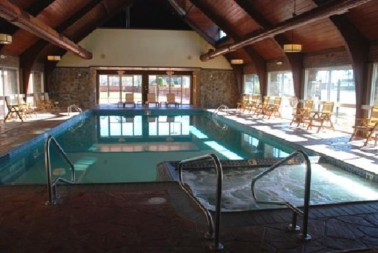 Odawa Hotel: Newly refurbished pool and hot tub