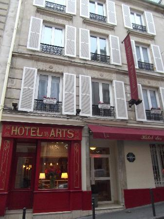 Hotel Des Arts : Front of hotel