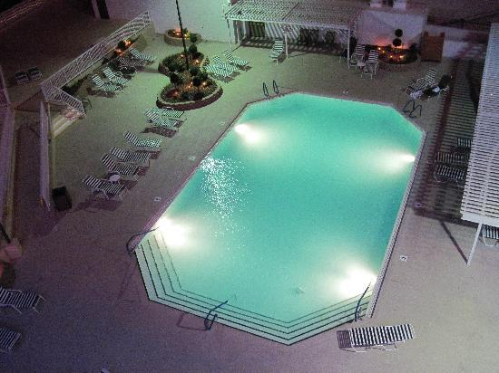 Don Laughlin's Riverside Resort : North tower pool
