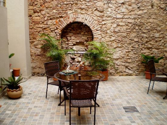 Casa Sucre Boutique Hotel: Patio Court Yard