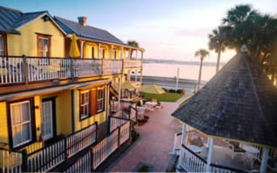 Bayfront Marin House Bed and Breakfast Inn: Enjoy spectacular water views from the Bayfront Marin&#39;s many porches, patios, and its romantic g