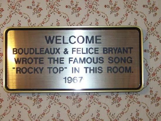 Gatlinburg Inn: Rocky Top was wrote there too!!