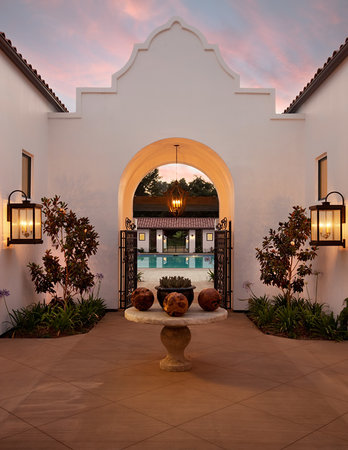 Ojai Valley Inn and Spa: Entrance to Herb Garden pool