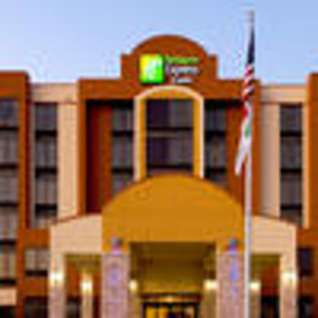 Holiday Inn Express & Suites DFW Airport South Hotel : HIExpress DFWS Exterior