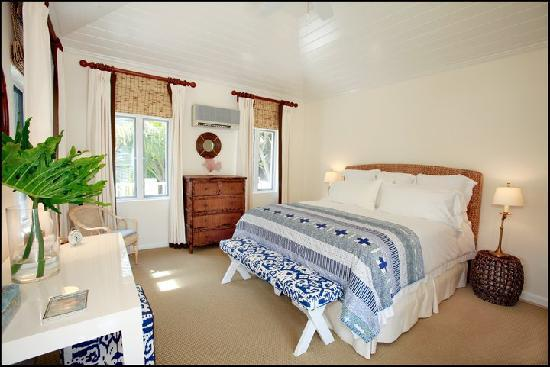 The Dunmore: Ocean View Accommodation