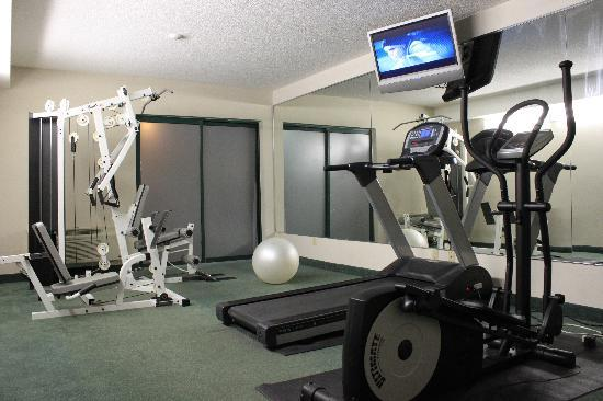 Super 8 London: Fitness Room