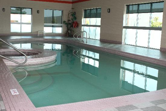Indoor Pool Spa Picture Of Super 8 London London Tripadvisor