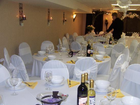 Super 8 London: Wedding Banquet Room