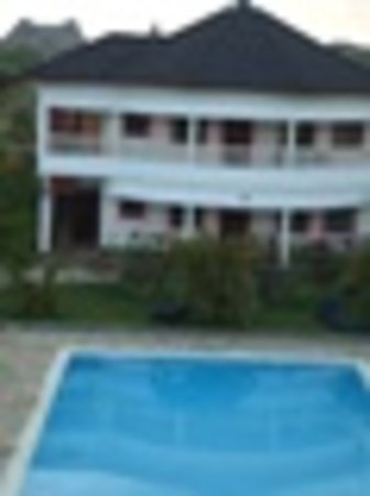 Tausi Holiday Villas