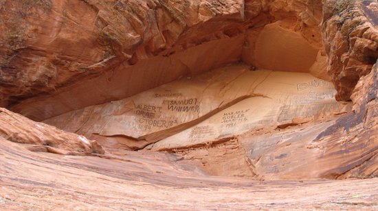 Utah: Pioneer names written on the wall.