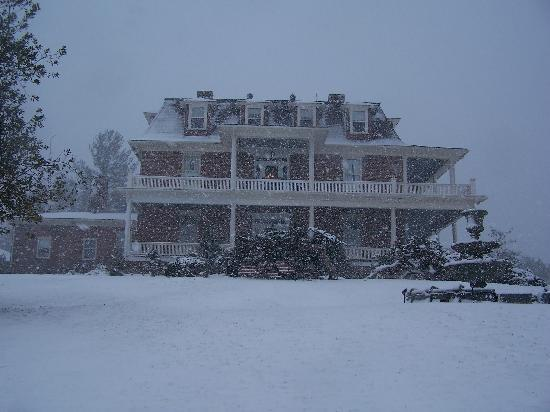 The Reynolds Mansion: snowing outside, but warm and cozy inside