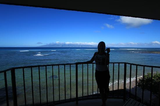 Kahana Reef: The view from our balcony.