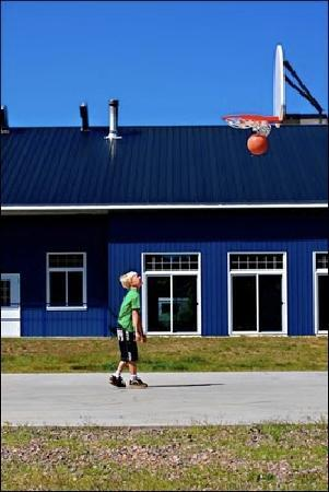 Combermere, Canada: Basketball Court