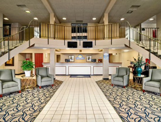 Days Inn La Crosse Hotel &amp; Conference Center: Newly Remodeled Lobby 2010