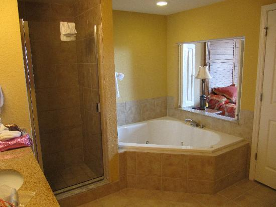 bathroom with jacuzzi tub picture of floridays resort orlando