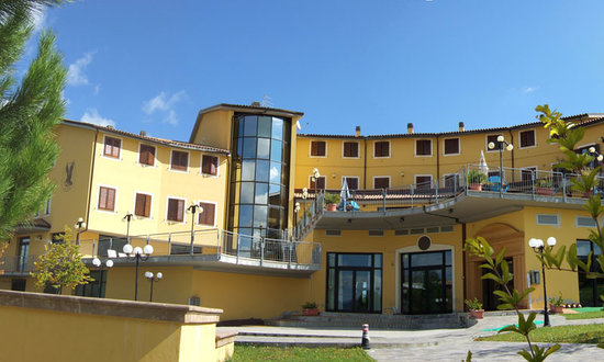 Falcon Hotel