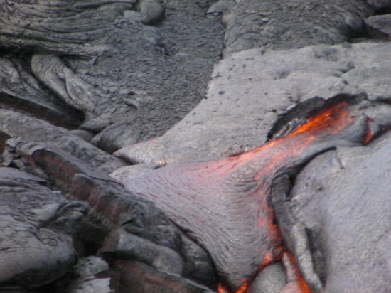 Volcano, Hawaï: Lava flow up close! Wow.