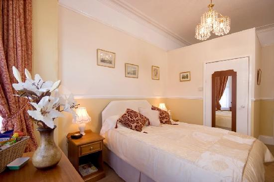 Sea Breeze House : Elegant Double Room