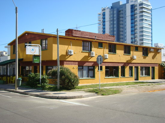 El Viajero Brava Beach Hostel & Suites