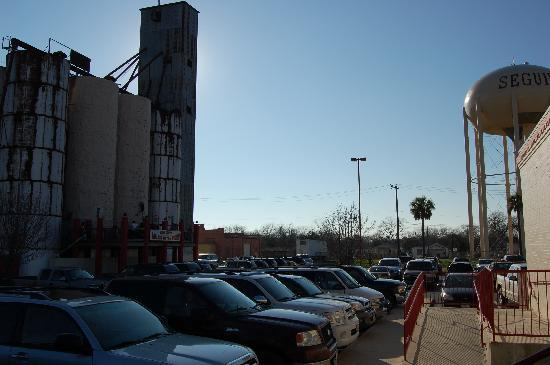 Seguin, TX: outside ZDts.  Notice huge climbing Silo to left.