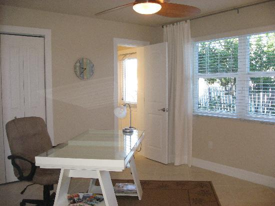 Sandy Toes Beach Rentals: Coast condo office with desk, free WiFi