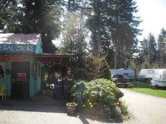 Tenino, WA: The entrance to our RV area