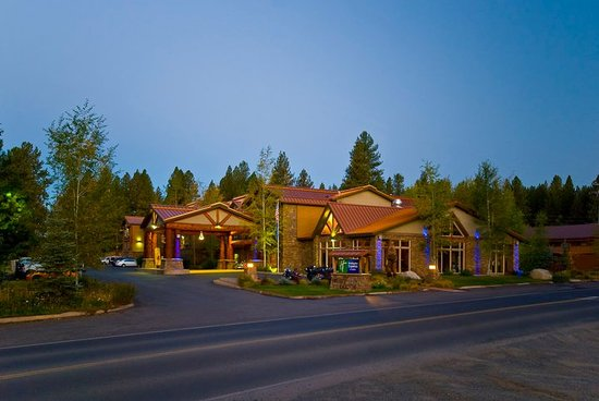 Holiday Inn Express & Suites - The Hunt Lodge: The Hunt Lodge
