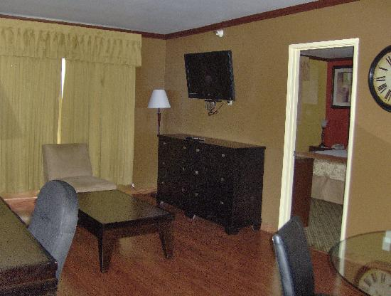 Quality Inn & Suites: Family Suite