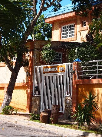 Buenavista Inn: Entrance