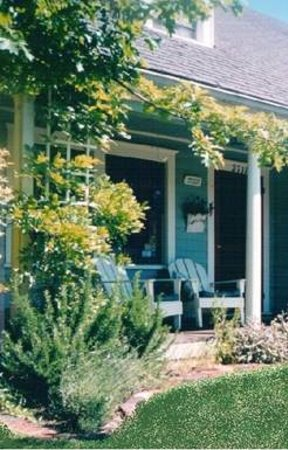The Green Cape Cod Bed &amp; Breakfast