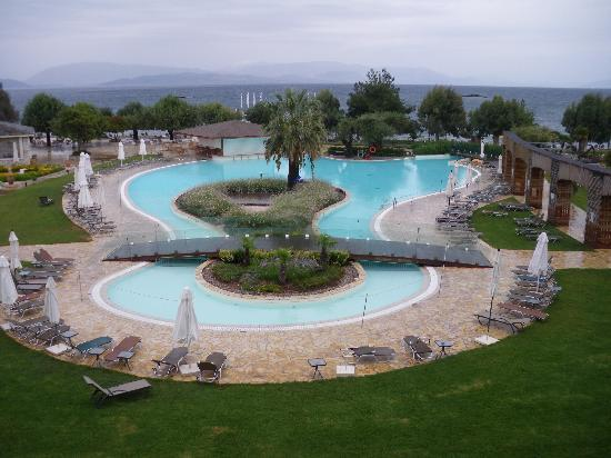 Dassia, Grecia: One of the lovely pools (with unusual rain!)
