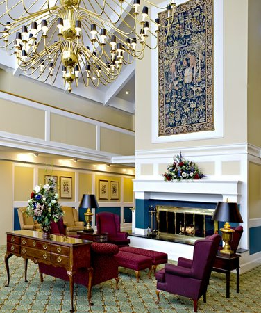 Johnson and Wales Inn: Hotel Lobby