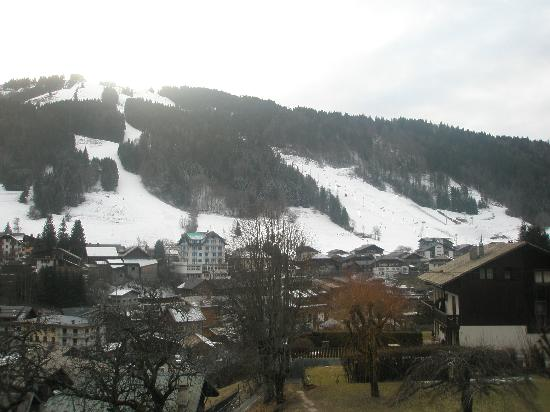 Hotel Le Grand Tetras: View from our balcony towards Avoriaz