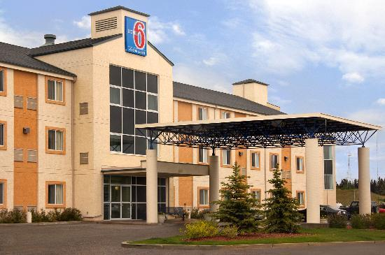 Motel 6 Red Deer: Exterior