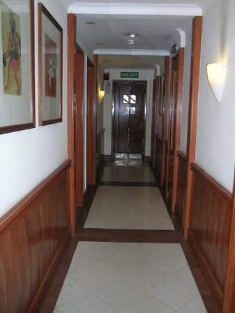 Nirula's Noida Hotel