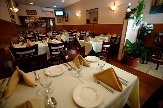 Flushing, NY: dining room
