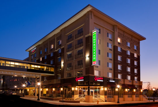 Courtyard by Marriott Fort Wayne Downtown at the Grand Wayne Center: A Refreshing New Stay