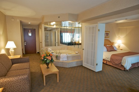 Monte Carlo Inn - Brampton Suites